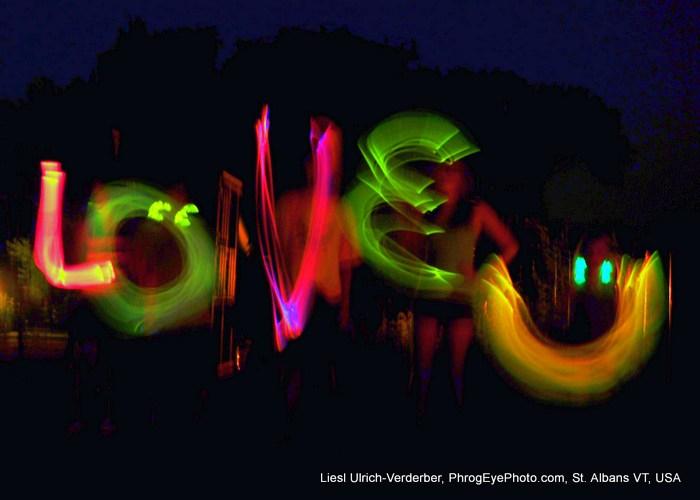 Image: LOVE U in neon lights
