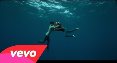 Image: Beyonce underwater with free diver