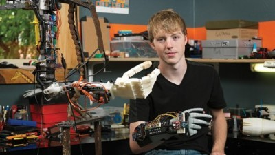 teen makes robotic arm