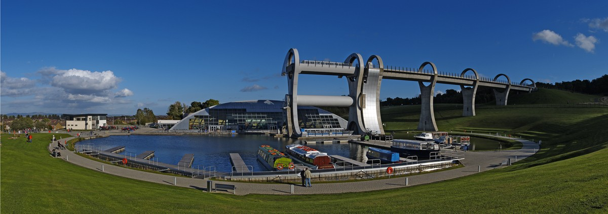 Image: Amazing bridges and lock technology Falkirk Wheel