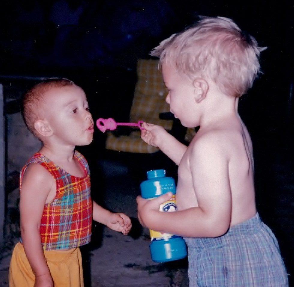 img0547 AJ and Liesl bubbles