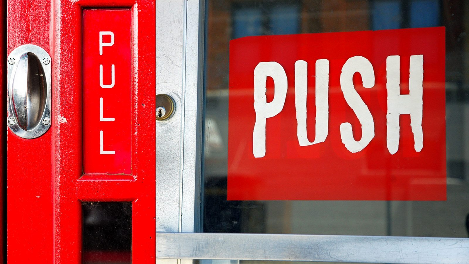 Image: Push and Pull signs on confusing doors