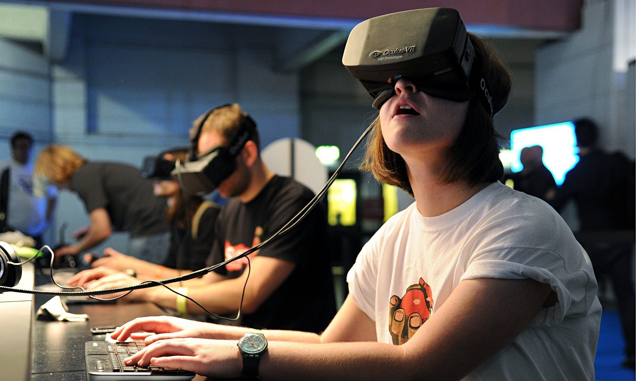 Image: A woman wearing a virtual reality headset