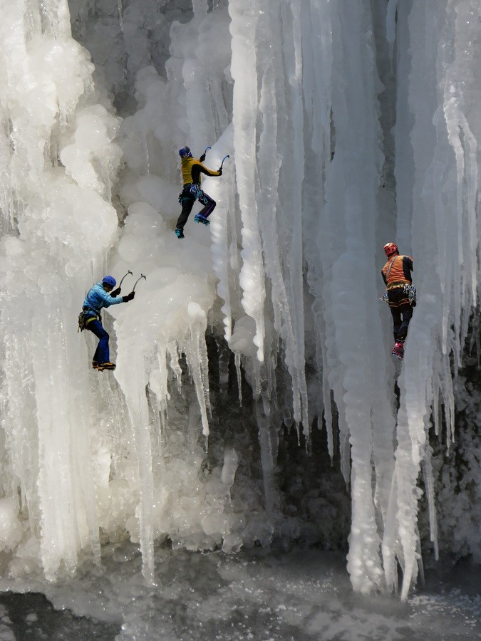 Image: Ice climbers demonstrating no fear of failure