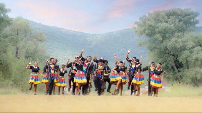 Image: Ndlovu Youth Choir dancing