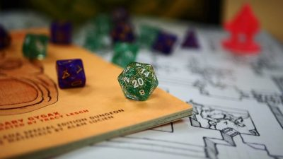 Image: 20-sided Dungeons and Dragons die