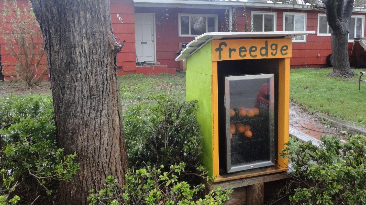 Image: A free food fridge!